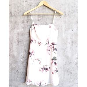 🆕 White Square Neck Floral Dress